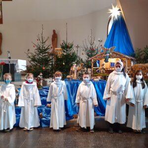 """""""Krippenspiel auf Abstand"""" – Mariä Himmelfahrt Kirche in Gambach"""
