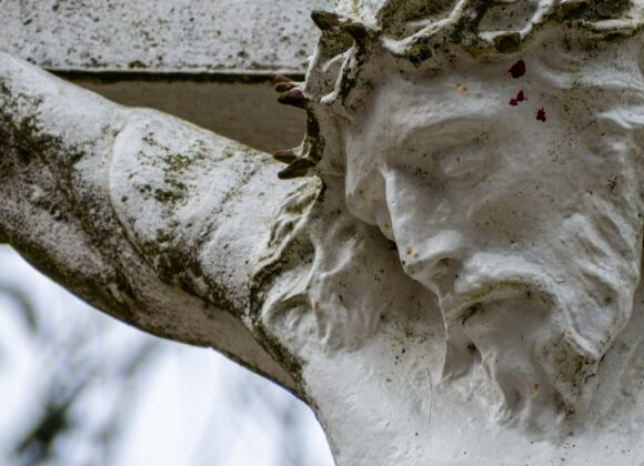 Kann man ohne Christus leben? Einführung ins Geheimnis des Kreuzes.